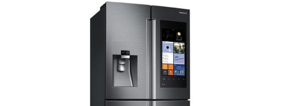 """Samsung lansează frigiderul inteligent, cu ecran de 21"""" și sistem Home Entertainment"""