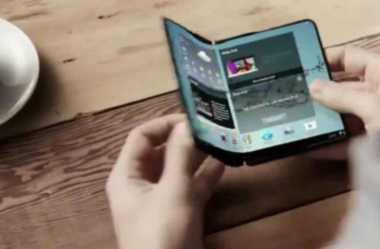Telefonul flexibil, noul trend în materie de smartphone-uri